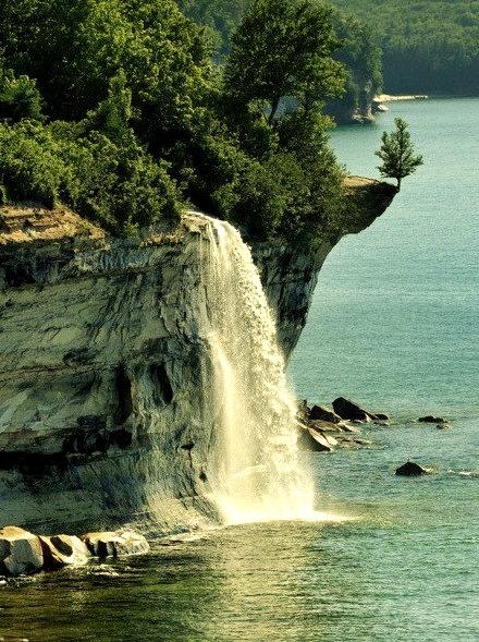 Spray Falls, Pictured Rocks, Michigan