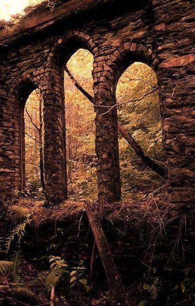 Ancient Arches, Tal-y-waenydd, Wales
