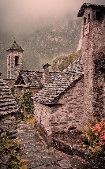 Rainy days in the Alps, Foroglio / Switzerland